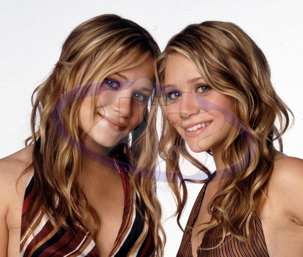 Смотреть порно с красивыми сестрами в ванной 10 фотография